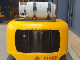 Clark 5000kg LPG forklift with 5000mm three stage mast and dual wheels - picture1' - Click to enlarge