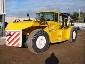 Omega 36CR Container forklift for Hire - picture3' - Click to enlarge