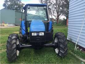NEW HOLLAND TL80 CAB TRACTOR - picture0' - Click to enlarge