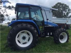 NEW HOLLAND TL80 CAB TRACTOR - picture1' - Click to enlarge