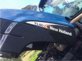 NEW HOLLAND TL80 CAB TRACTOR - picture2' - Click to enlarge