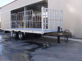 PIG TRAILER - picture3' - Click to enlarge