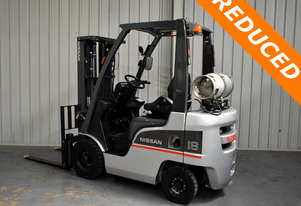 Nissan 1.8 tonne forklift 4.3m Lift Height Container Mast 2013 Model Low Hours Excellent Condition