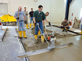 Wacker Neuson P35A Vibratory Screed - picture1' - Click to enlarge