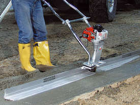Wacker Neuson P35A Vibratory Screed - picture2' - Click to enlarge