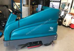 Tennant Ride On Scrubber