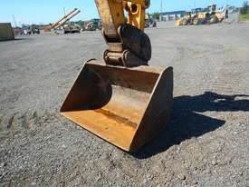 2011 Used JCB JS240LC Excavator - picture5' - Click to enlarge