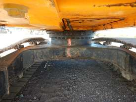 2011 Used JCB JS240LC Excavator - picture9' - Click to enlarge