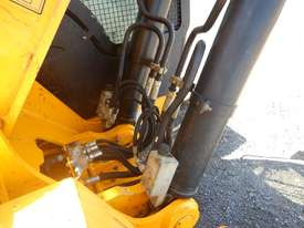 2011 Used JCB JS240LC Excavator - picture10' - Click to enlarge