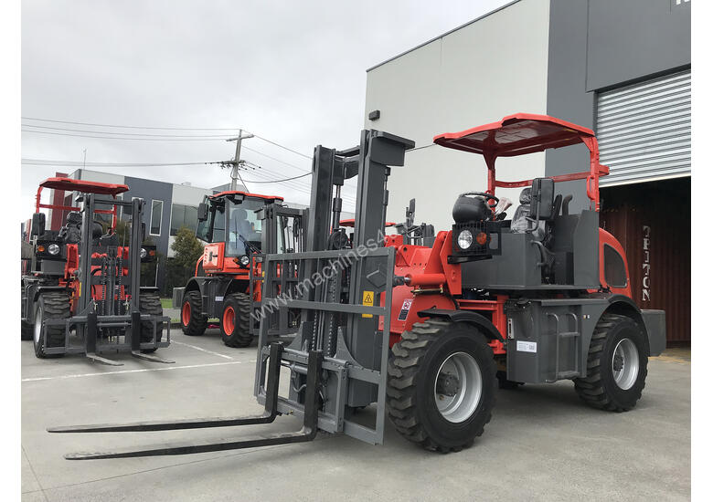 SUMMIT R420 4WD 2 Tonne ROUGH TERRAIN FORKLIFT with 2 Stage 3 Meter Mast & Side Shift