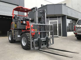 SUMMIT R420 4WD 2 Tonne ROUGH TERRAIN FORKLIFT with 2 Stage 3 Meter Mast & Side Shift - picture2' - Click to enlarge