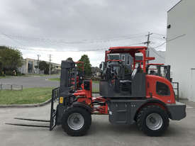 SUMMIT R420 4WD 2 Tonne ROUGH TERRAIN FORKLIFT with 2 Stage 3 Meter Mast & Side Shift - picture3' - Click to enlarge