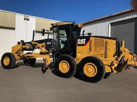 Caterpillar 12M Grader - picture1' - Click to enlarge