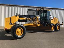 Caterpillar 12M Grader - picture2' - Click to enlarge