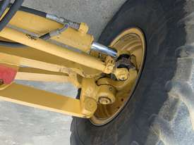 Caterpillar 12M Grader - picture12' - Click to enlarge