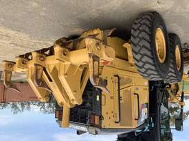 Caterpillar 12M Grader - picture17' - Click to enlarge