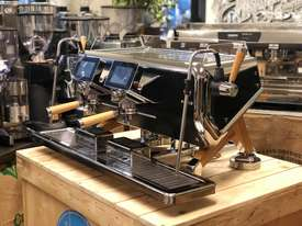 ASTORIA STORM 2 GROUP BLACK AND TIMBER BRAND NEW ESPRESSO COFFEE MACHINE - picture1' - Click to enlarge