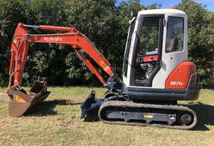 SOLD --  2.8T KUBOTA KX71-3 Low Hours Enclosed Cab
