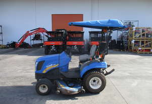 New Holland Compact Tractor - Boomer 1025