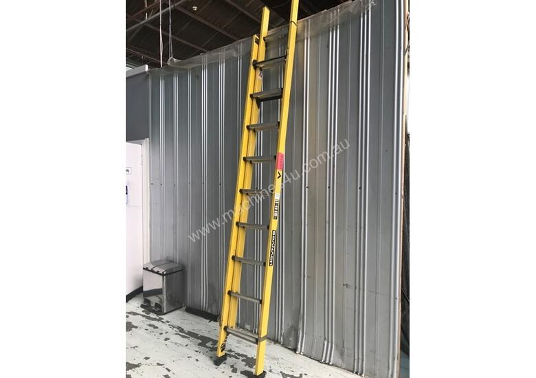 Branach Fibreglass Extension Ladder 3.3 to 5.5m with Exofit Safety Harness