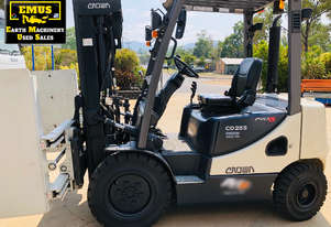 2014 Crown 2.5ton Forklift, 208hrs, Bale Clamp. E.M.U.S. MS599AH