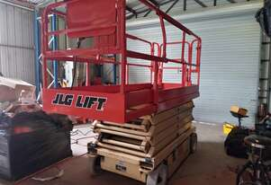 JLG Industries JLG 3246ES 32ft scissor lift