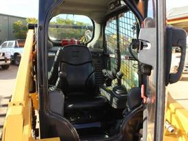 2014 CAT 299D XPS TRACKED SKID STEER LOADER - picture12' - Click to enlarge