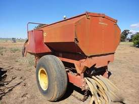 New Holland 3350 Air Seeder Cart Seeding/Planting Equip - picture2' - Click to enlarge
