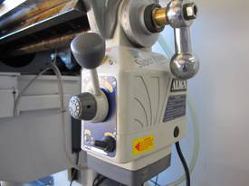 NT30 Milling Machine, (X/Y/Z), 875/380/420mm), 240v - picture5' - Click to enlarge