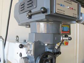 NT30 Milling Machine, (X/Y/Z), 875/380/420mm), 240v - picture9' - Click to enlarge
