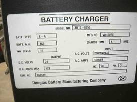 DOUGLAS 24VOLT FORKLIFT BATTERY CHARGER - picture1' - Click to enlarge