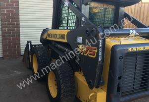 New Holland 2011   SKIDSTEER