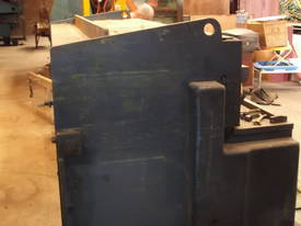 Guillotine Hydracut Aust 2500mm x 3 - 4mm steel - picture1' - Click to enlarge