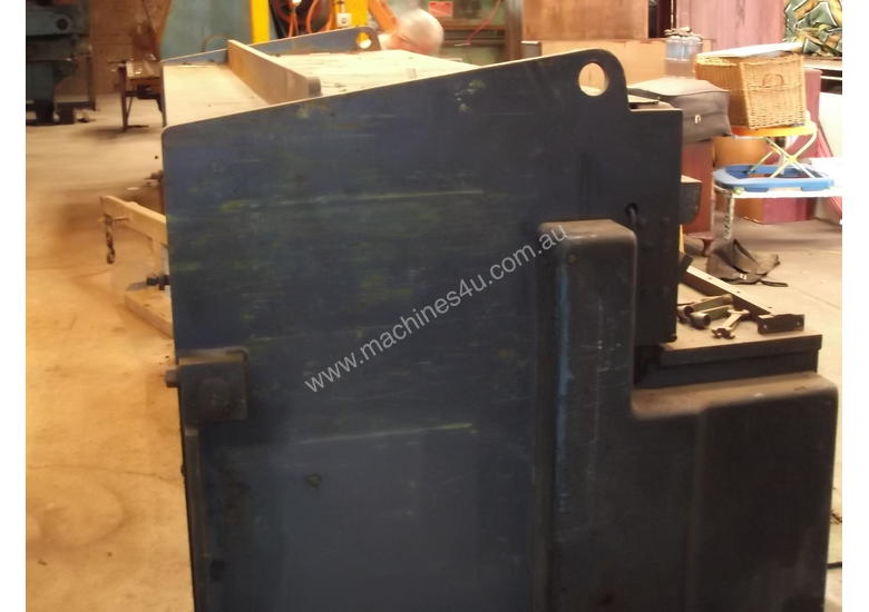 Guillotine Hydracut Aust 2500mm x 3 - 4mm steel