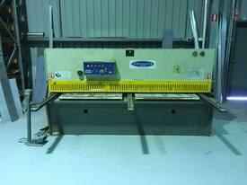 JUST TRADED - 2500mm x 4mm with Rear Sheet Supports - picture7' - Click to enlarge