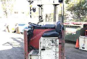 Reach Truck 6.3m Lift Heght 1.5 Ton Priced to Sell