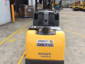 Fantastic Stand On Pallet Truck - picture1' - Click to enlarge