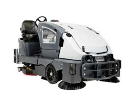Nilfisk Combination Battery Scrubber/ Dryer/ Sweeper CS7010  - picture0' - Click to enlarge