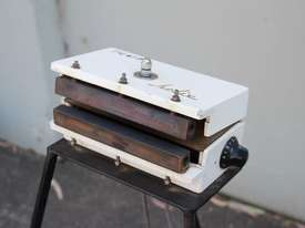 Heat Sealer - picture2' - Click to enlarge