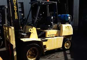Hyster 4 Ton Forklift Only 2586 Hrs Dual Front Wheel Wide Carriage