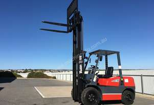 TAILIFT 3T 3M Diesel Forklift with sideshift