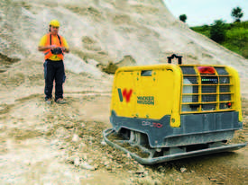 Water cooled diesel forward and reverse vibrating plate - picture6' - Click to enlarge