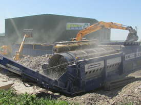 TRT622 Track Trommel - picture3' - Click to enlarge
