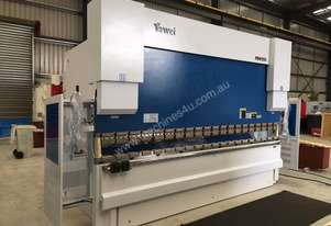 New Yawei PBH 250t x 4100mm CNC7 Pressbrake with Delem DA-66T. IN STOCK.