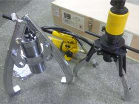 Ashita HHL-10S, HHL-30F 10 & 30 Ton Hydraulic Gear Puller Set - picture0' - Click to enlarge