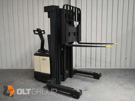 Used Crown WR3000 Walkie Reach Truck Container Mast Full Free Lift 1500kg Capacity - picture8' - Click to enlarge
