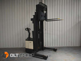 Used Crown WR3000 Walkie Reach Truck Container Mast Full Free Lift 1500kg Capacity - picture9' - Click to enlarge