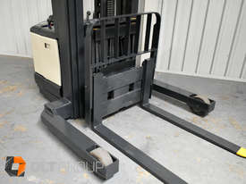 Used Crown WR3000 Walkie Reach Truck Container Mast Full Free Lift 1500kg Capacity - picture11' - Click to enlarge