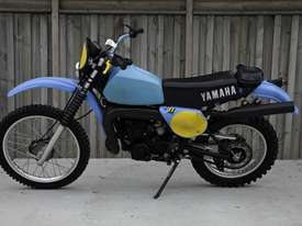 Yamaha IT400 Enduro Off Road Bike - picture1' - Click to enlarge