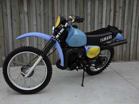 Yamaha IT400 Enduro Off Road Bike - picture4' - Click to enlarge